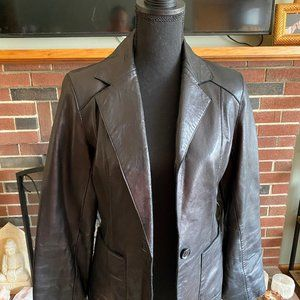 beautiful pre-owned andrew marc leather jacket